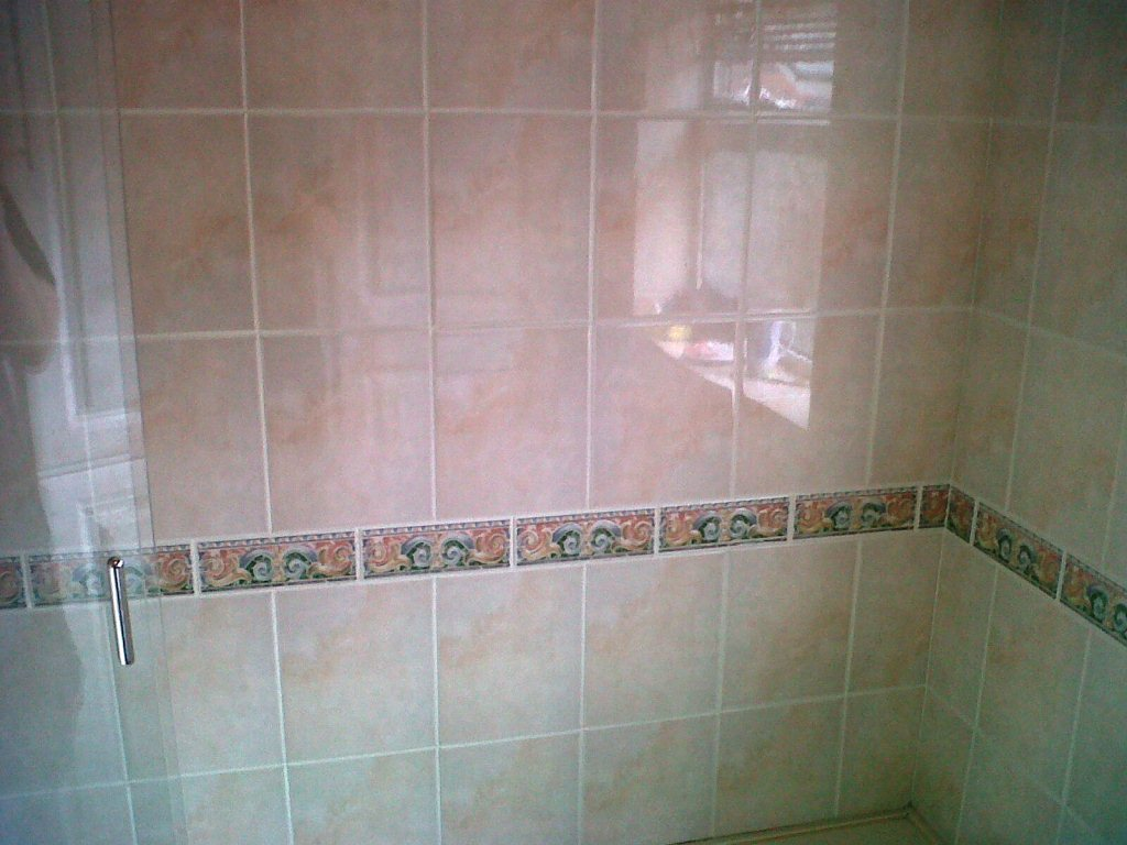 Grout Colouring Bathroom Before, Grout Colouring Bathroom After